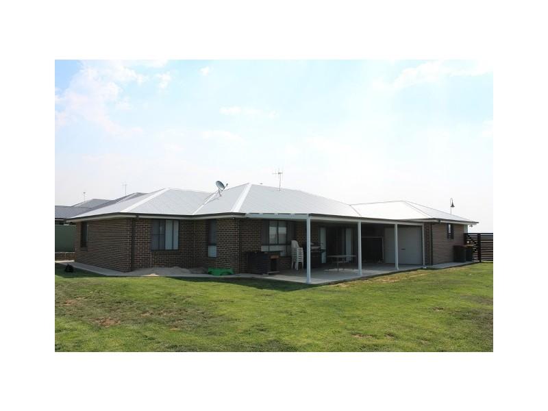 50 Westbourne Drive, Bathurst NSW 2795