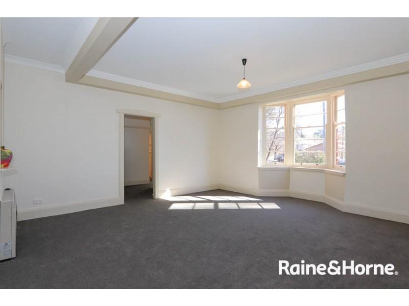 146 Peel Street, Bathurst NSW 2795