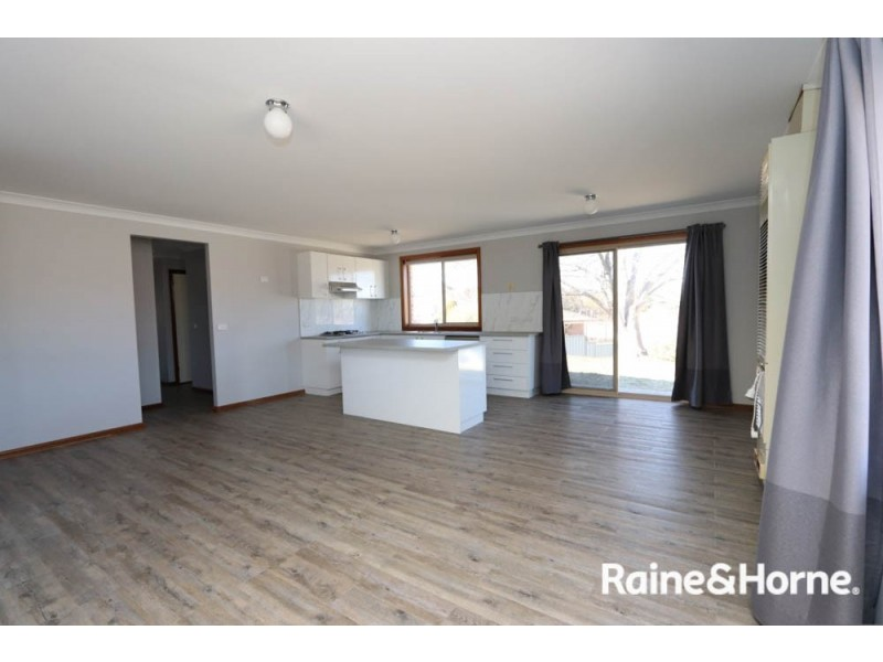 8 Burgess Place, Windradyne NSW 2795