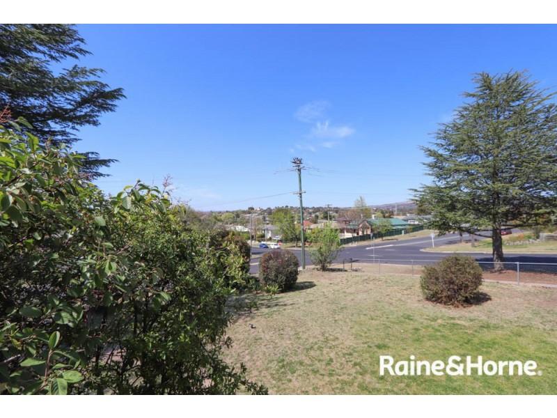 231 Peel St, Bathurst NSW 2795
