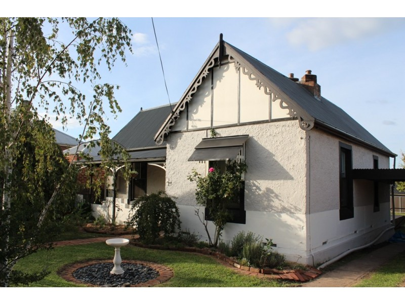 57 Rocket Street, Bathurst NSW 2795