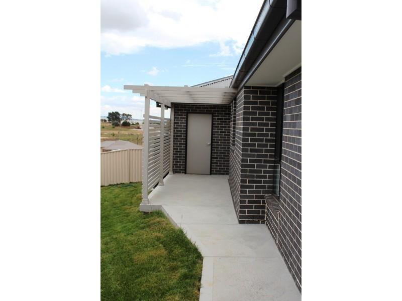 6 Jade Close, Bathurst NSW 2795