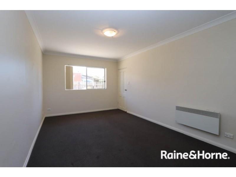 2/111-115 Lambert Street, Bathurst NSW 2795