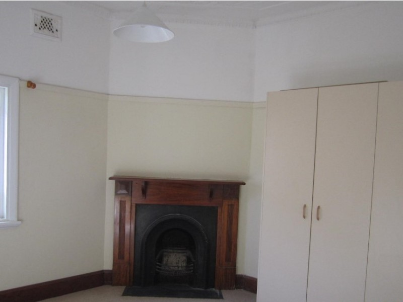 152 Peel, Bathurst NSW 2795
