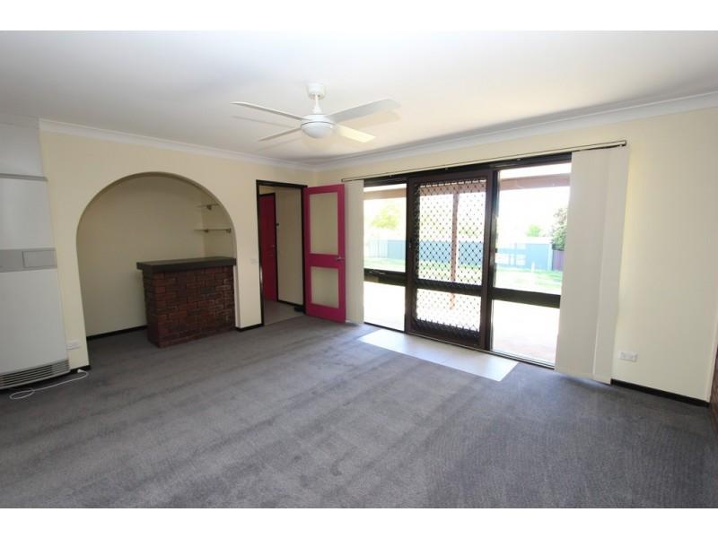 7 Kabbera Blvd, Bathurst NSW 2795