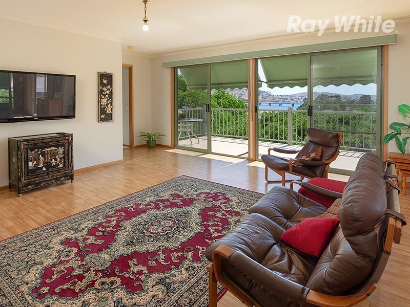 35 Craig Drive, Bellbridge VIC 3691
