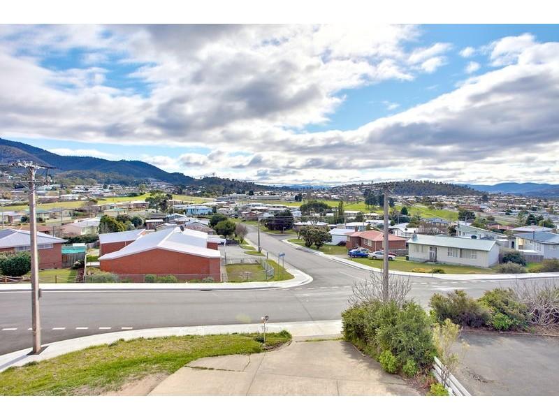 2/87 Box Hill Road, Claremont TAS 7011