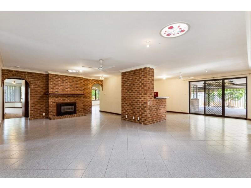8 Homestead Place, Beechboro WA 6063