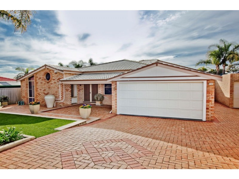 5 Carmil Place, Alexander Heights WA 6064