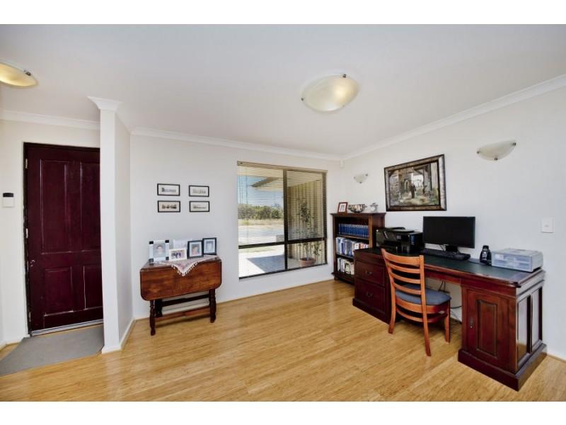 20 Derbi Road, Alexander Heights WA 6064