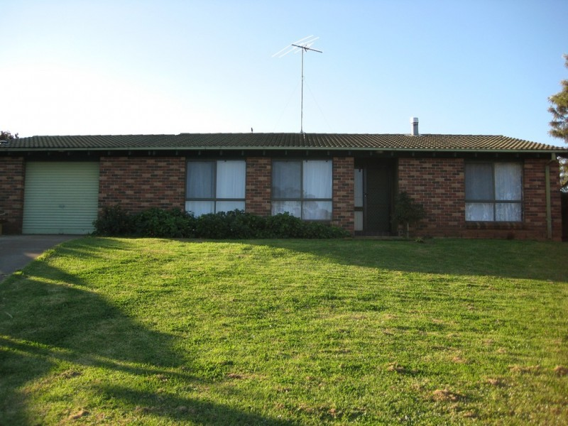 4 Romilly Place, Ambarvale NSW 2560