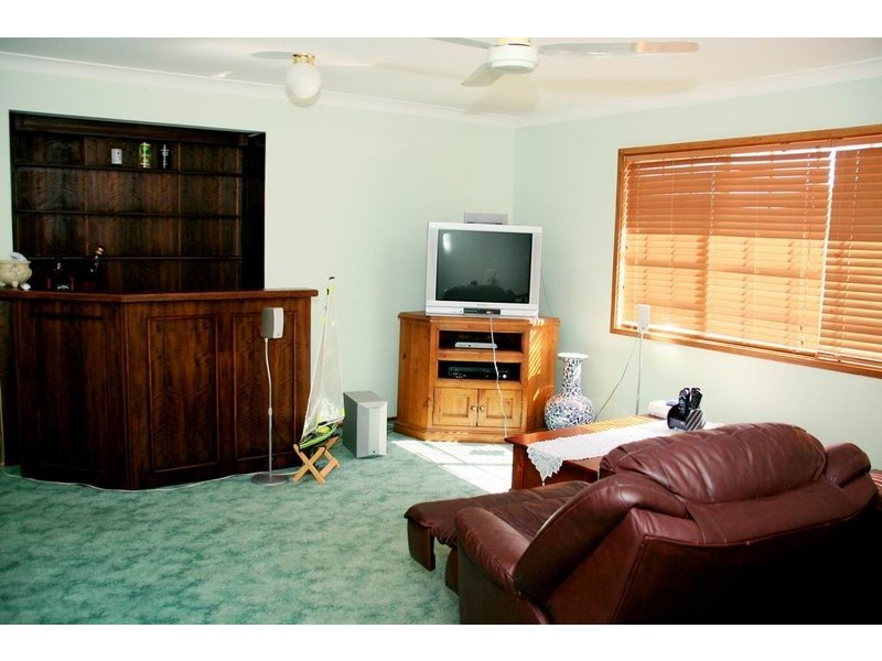 14 Jarndyce Avenue, Ambarvale NSW 2560