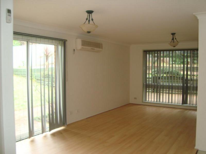 55 Woodcourt St, Ambarvale NSW 2560
