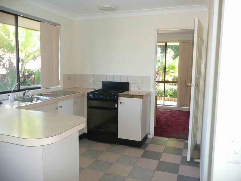 60 Clennam Avenue, Ambarvale NSW 2560
