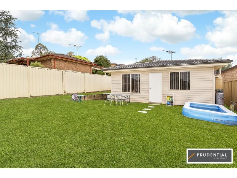 10 Crispsparkle Drive, Ambarvale NSW 2560