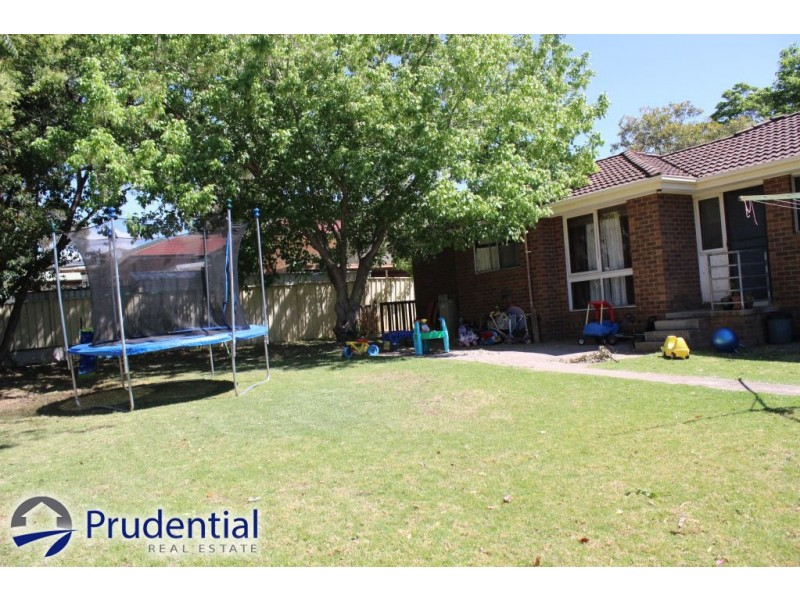 27 Lightwood Street, Ambarvale NSW 2560