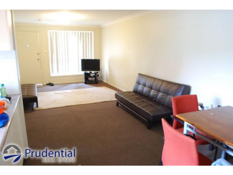 4/5 Wickfield Circuit, Ambarvale NSW 2560