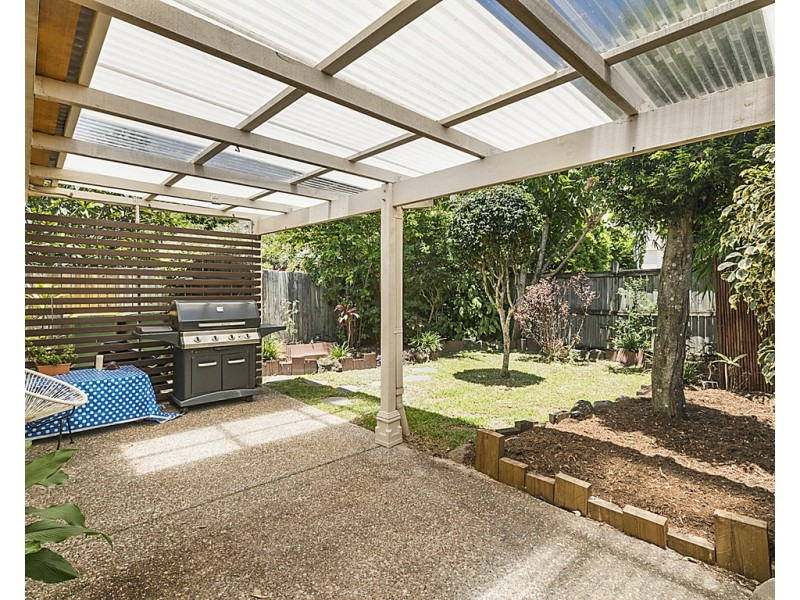 2/15 Thelma Avenue, Biggera Waters QLD 4216
