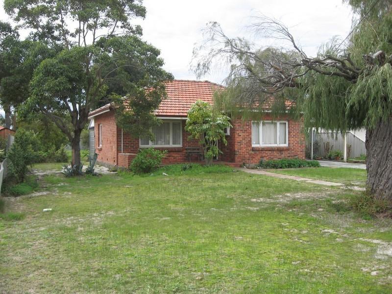 51 Lamond Street, Alfred Cove WA 6154
