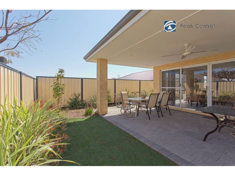 8 St Joseph Fairway, Success WA 6164