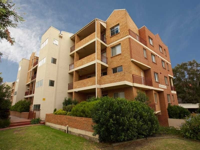 26/2-4 Fourth Avenue, Blacktown NSW 2148