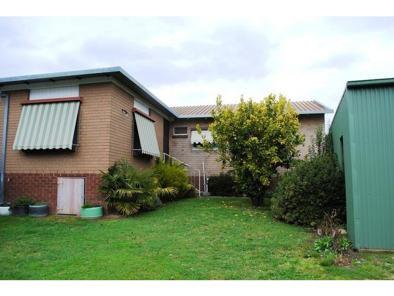 49 Lawrence St, Myrtleford VIC 3737