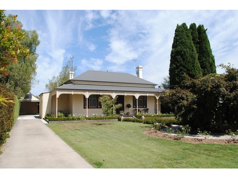 28 Smith St, Myrtleford VIC 3737