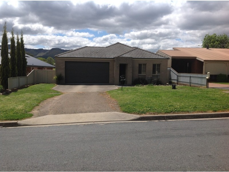 11 Mummery Road, Myrtleford VIC 3737