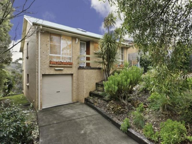 65 Boronia Rd, Bullaburra NSW 2784