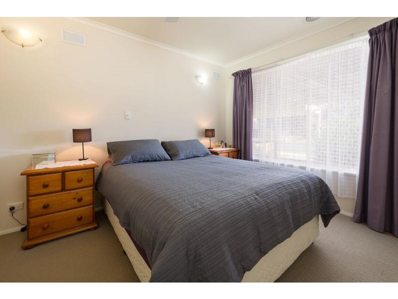 414 Dale Crescent, Lavington NSW 2641