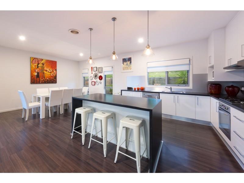 21 Orchard Way, Lavington NSW 2641