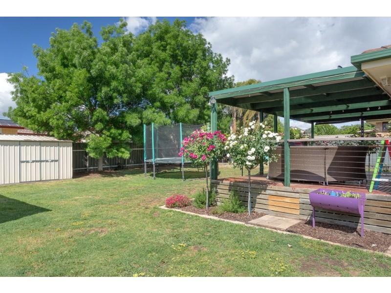 75 Feathertop Circuit, Thurgoona NSW 2640