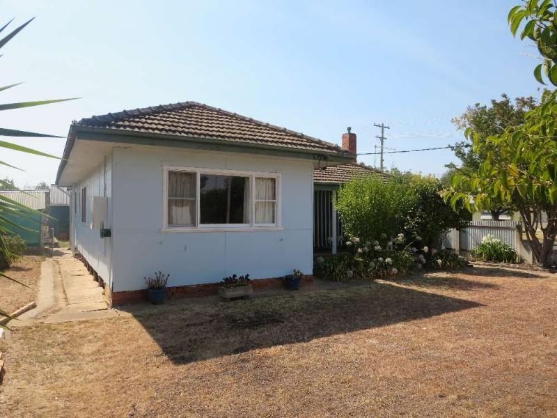 24 Fraser Street, Culcairn NSW 2660