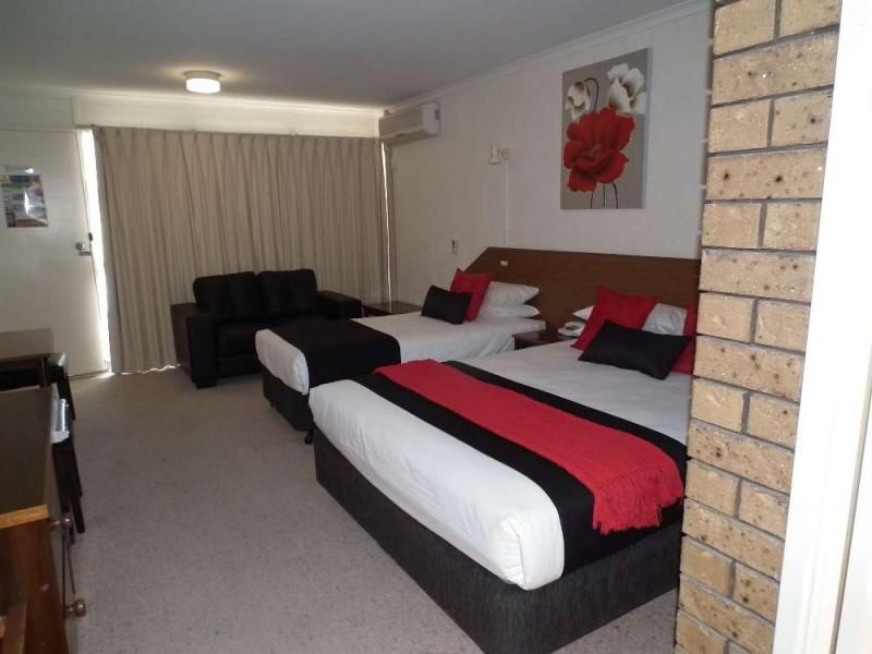 671 Young Street, Albury NSW 2640