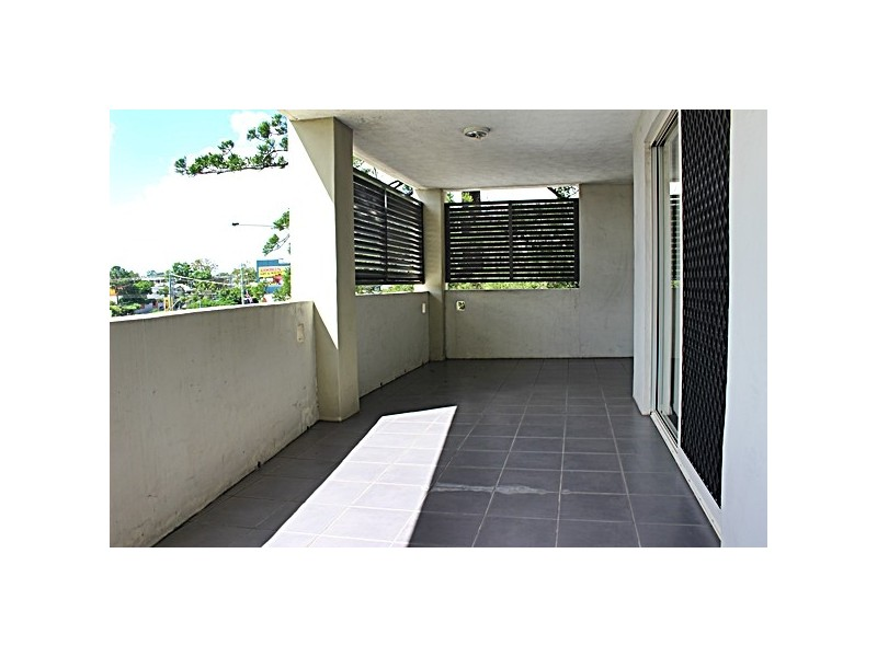 1 69 Coonan Street, Indooroopilly QLD 4068