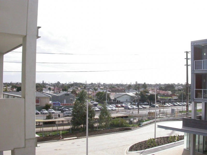 303/ 12 -14 Shores Wirra Drive, New Port SA 5015
