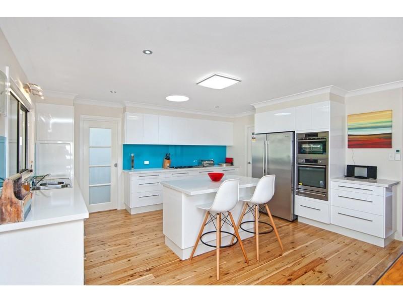 94 Lakin Street, Bateau Bay NSW 2261