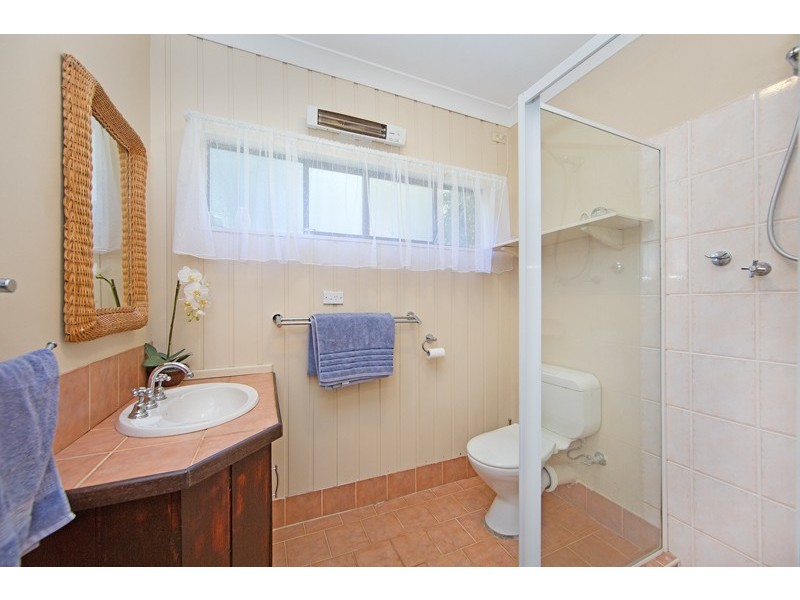 6 Jonathon Close, Bateau Bay NSW 2261