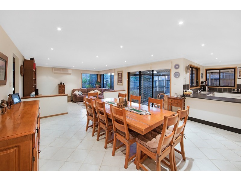 36 Alexander Avenue, Bateau Bay NSW 2261