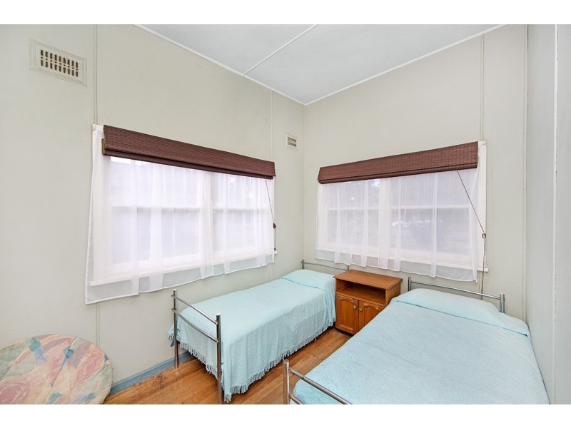 15 Lakin Street, Bateau Bay NSW 2261