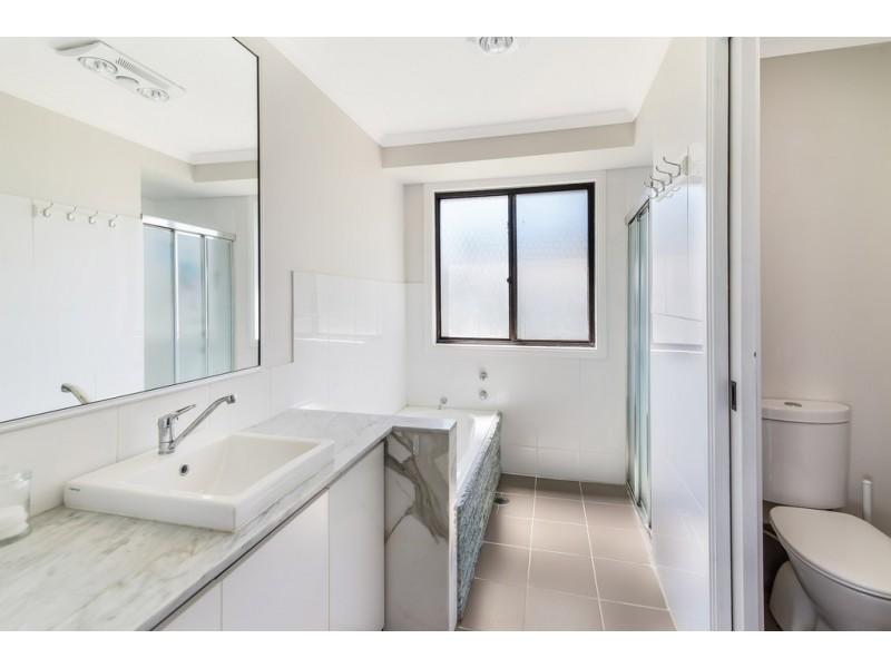 160 Cresthaven Avenue, Bateau Bay NSW 2261