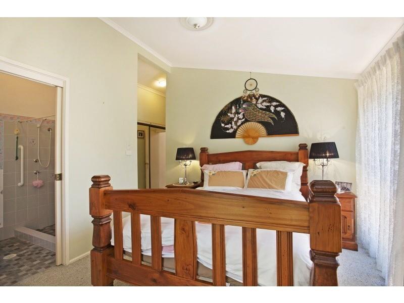 4 Lloyd George Gr, Tanilba Bay NSW 2319
