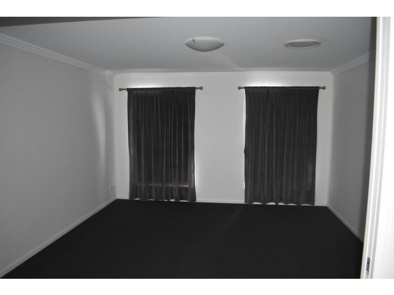 2 Randwick Road, Emerald QLD 4720