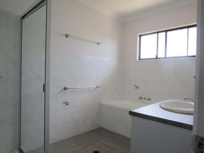 14 Newell Court, Capella QLD 4723