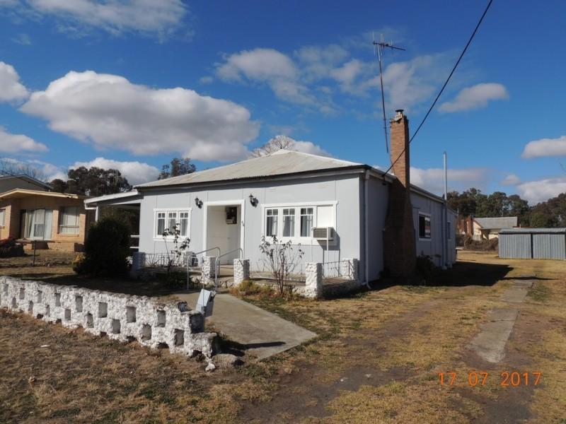 66 King St, Coonabarabran NSW 2357