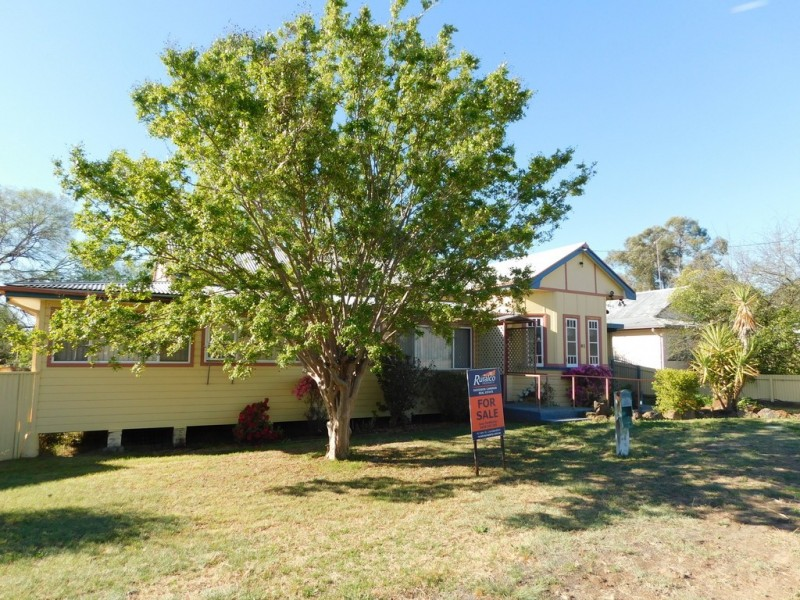 81 Edwards St, Coonabarabran NSW 2357