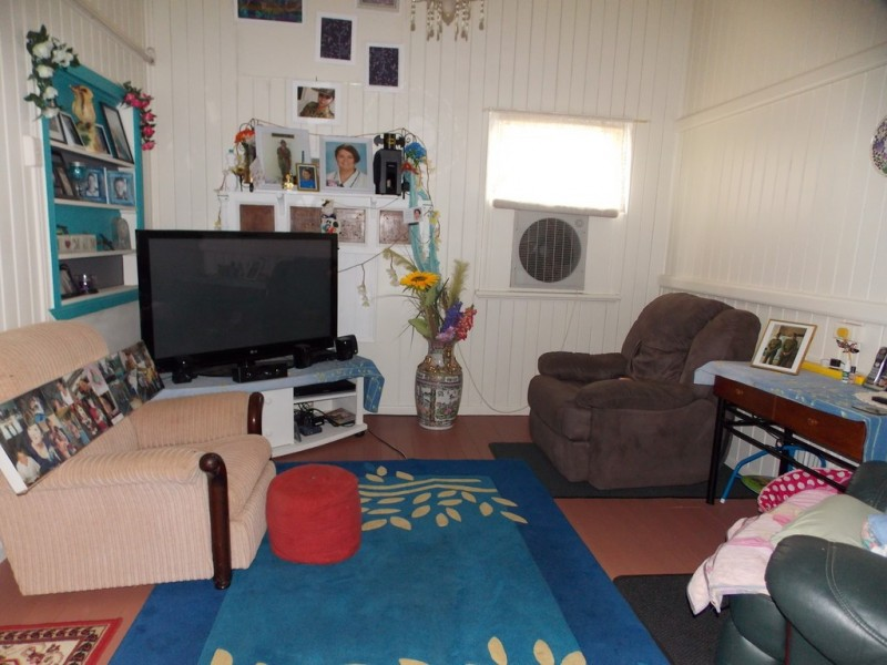 5 FLORA STREET, Blackall QLD 4472