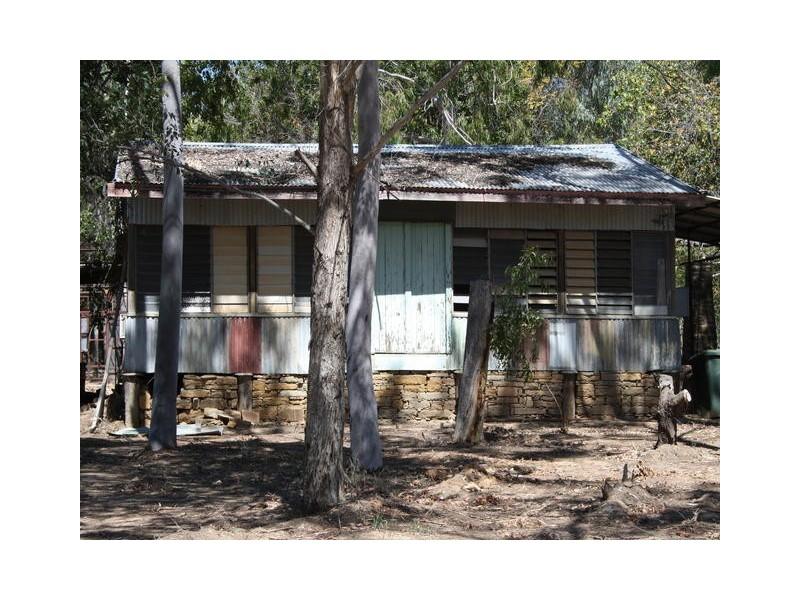 22 ACACIA AVENUE, Blackall QLD 4472