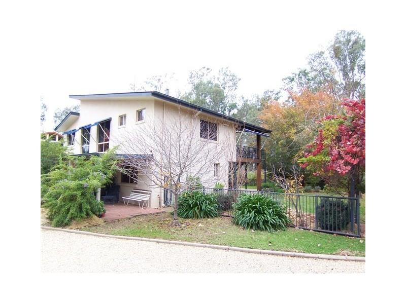 18 Stock Street, Darlington Point NSW 2706
