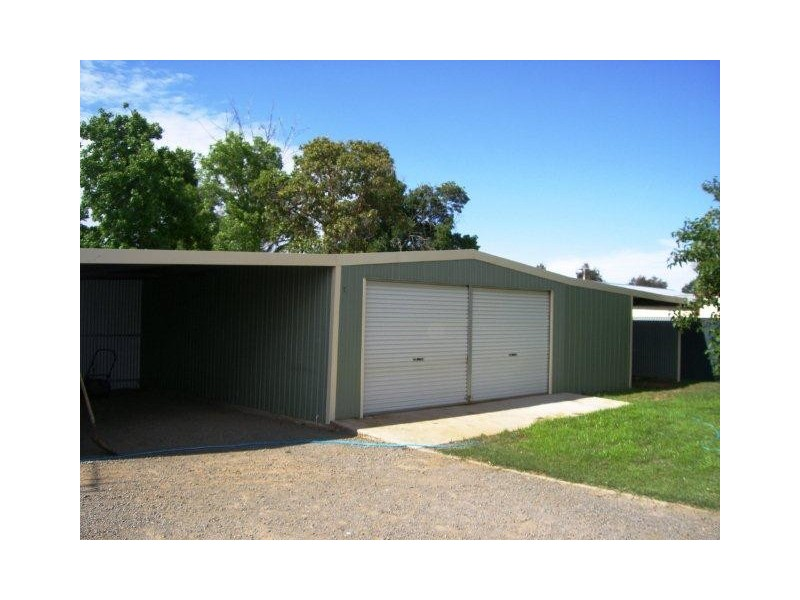 12 Young Street, Darlington Point NSW 2706
